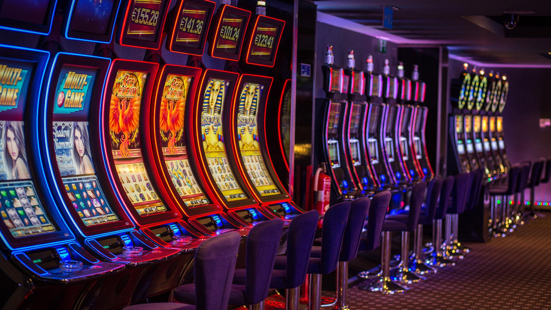 Автоматы игровые на раздевания ночь покера смотреть онлайн трейлер